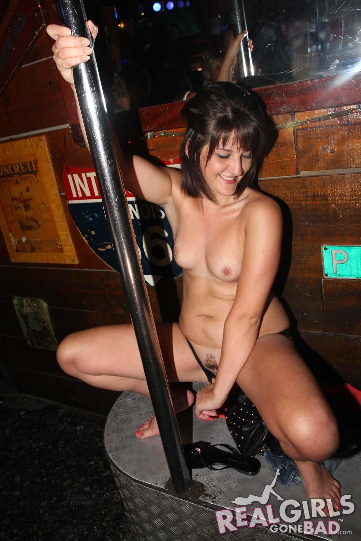 girls naked in bar