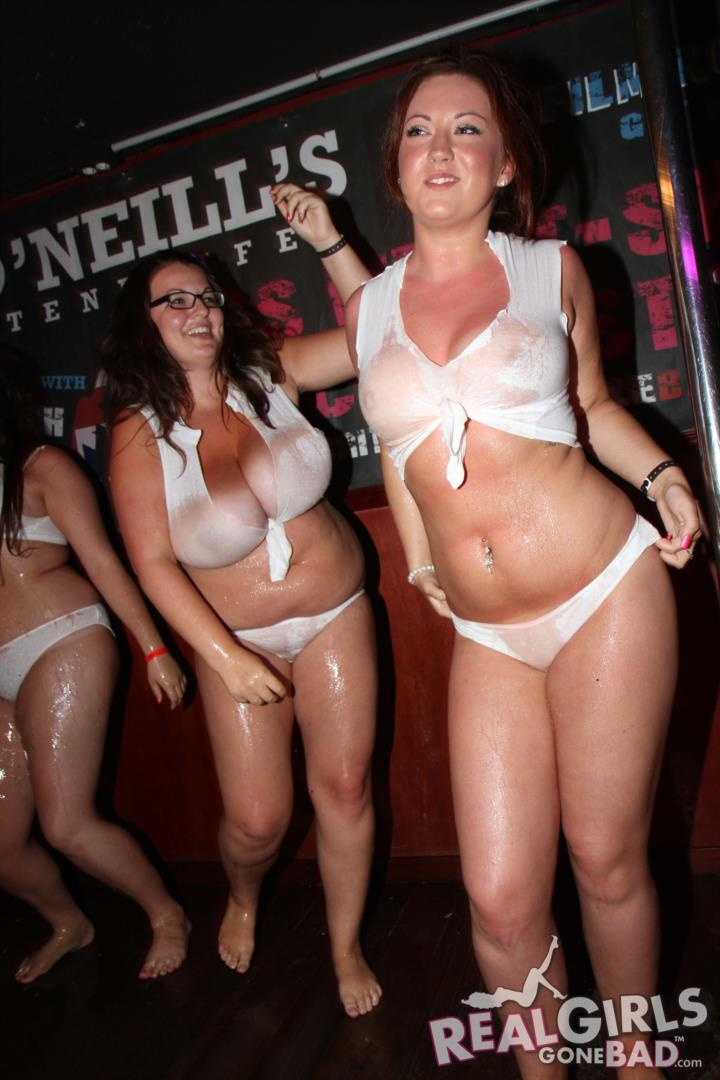 big boob babe on knees nude