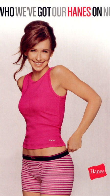 Super Cute Jennifer Love Hewitt in Tight Short