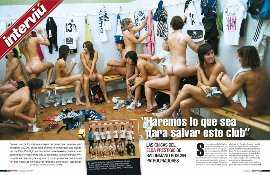 Naked Girls in Changing Room