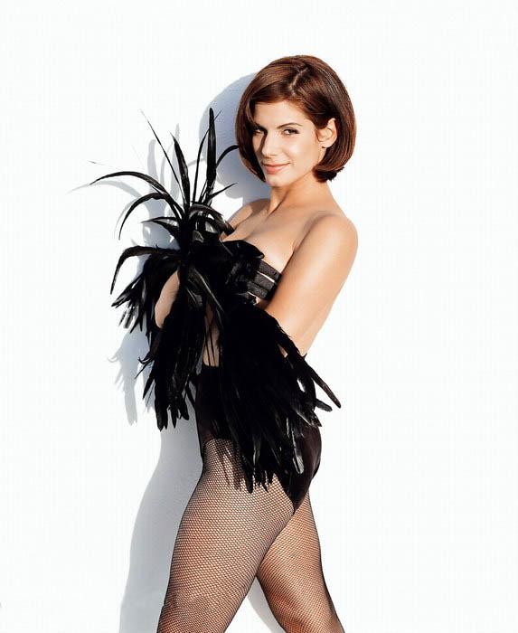 Sandra Bullock in Pantyhose