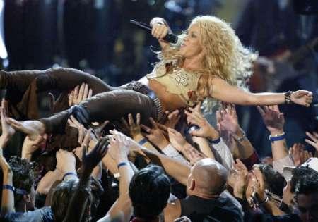 Shakira Crowd Surfing