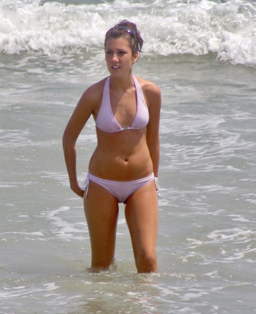 Wet Beach Cameltoe - Nice