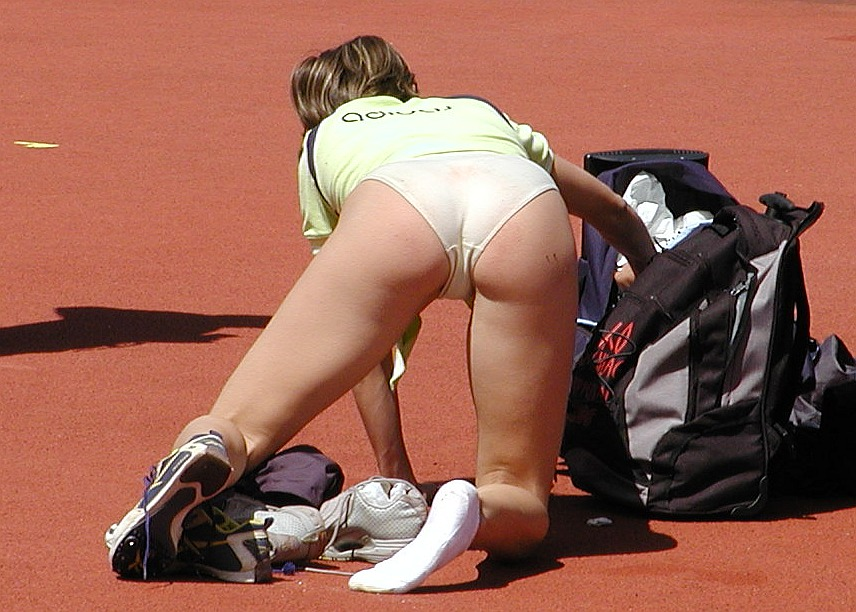Sporty cameltoe fun 171 real girls stripping in public upskirts