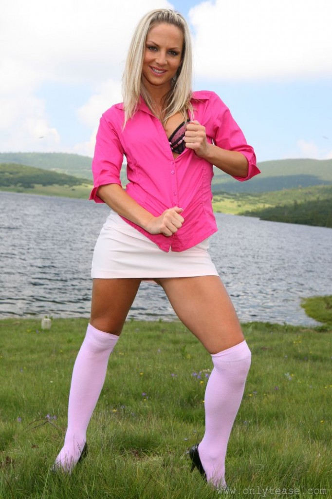 Hot Legs - Tammy in a Miniskirt