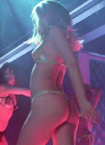 Cute Ass - Natalie Portman Pole Dancing in Closer