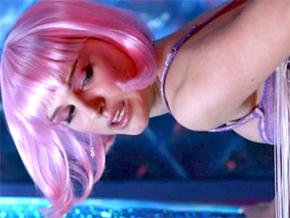 Natalie Portman with Pink Hair in Closer