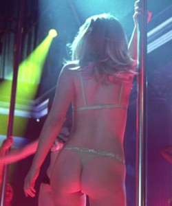 Natalie Portman in a Thong Dancing - Closer