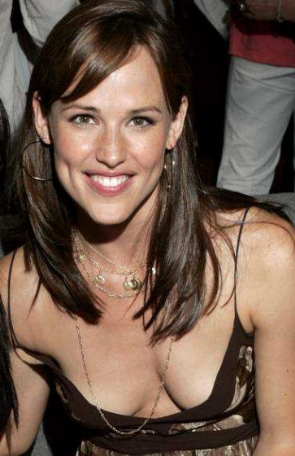 Jennifer Garner Downblouse