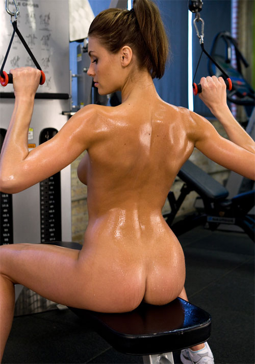 hot girl naked at the gym