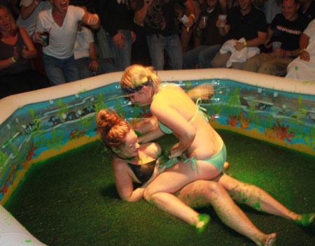 amateur-female-jello-wrestling-naked-kasia-socks