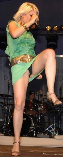 singers upskirt on stage no panties