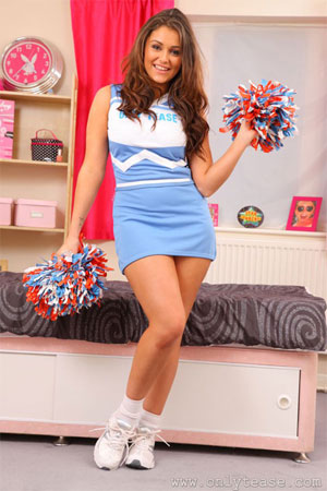Cheerleader Caitlin wants to dance for you