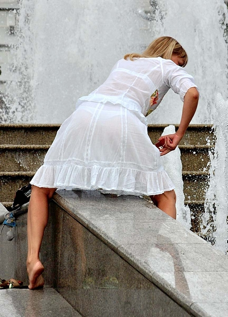 Upskirts by the Fountain