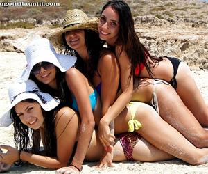Sexy Bikini Girls - UGotItFlauntIt