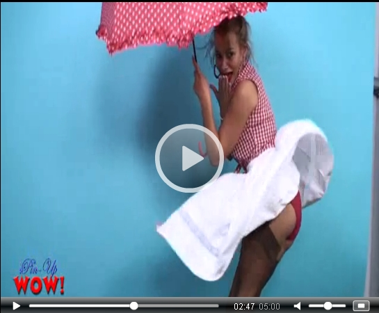 *Video:kelli smith poses for pinupwow