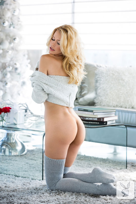 Blonde Playboy Playmate shows us her lovely ass