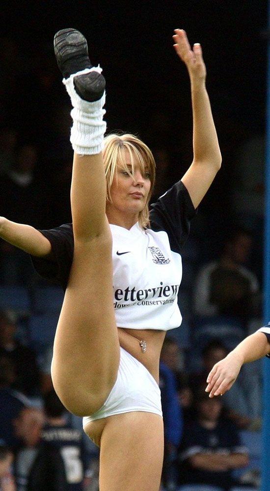 Tits Cheerleader Car Wash Nude Photos