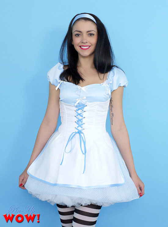 Bryoni Kate looks adorable in her Alice in Wonderland Costume