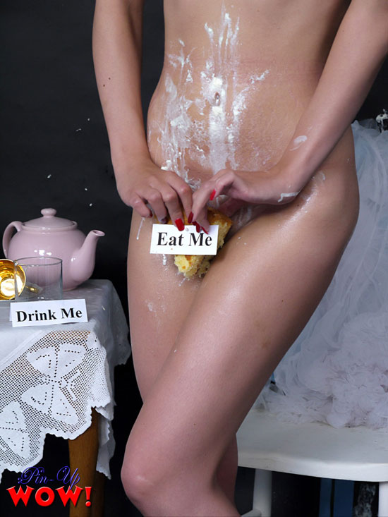 Bryoni Kate Naked - Pinup WOW