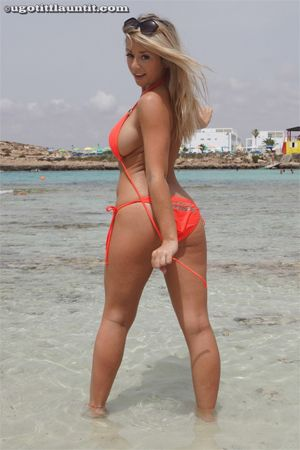 Blonde Girl Poses in her Bikini for UGotItFlauntIt