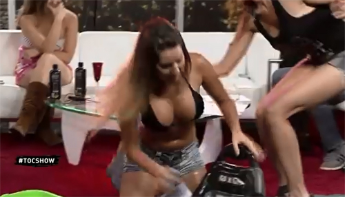 Two Sexy Girls Get Soaking Wet on the Toc Show from Chile