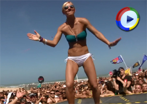 Bikini Girls Dancing