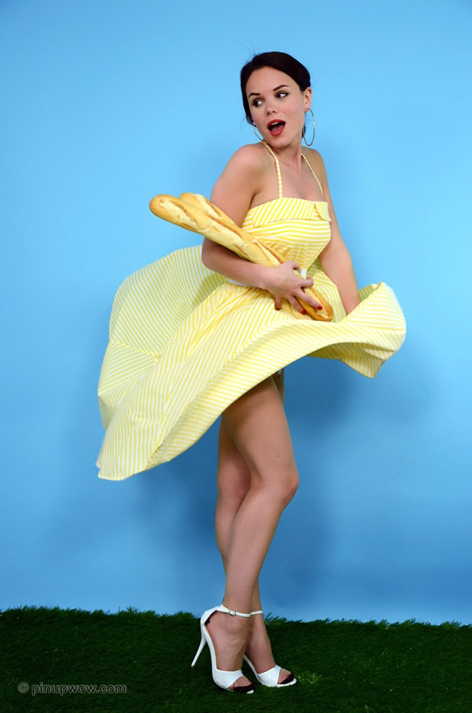 Mia Flyskirt on Pinup WOW - Gallery