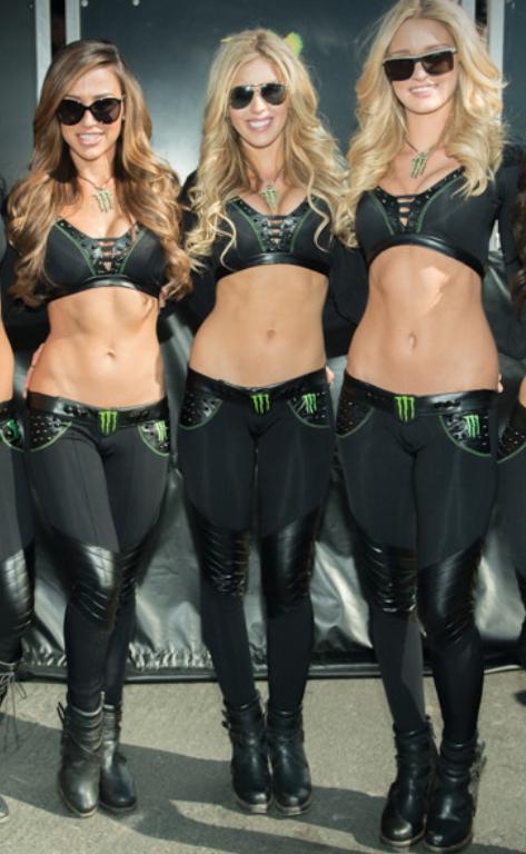 Energie Mädchen nakedd Maonster Monster Energy