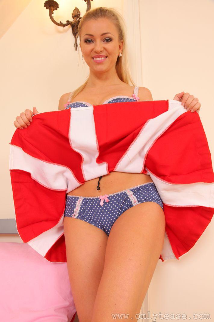 handjob-naughty-cheerleader-forgot-her-panties-super