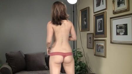 Girl showing off her cute ass