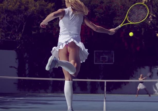 Sexy tennis upskirt
