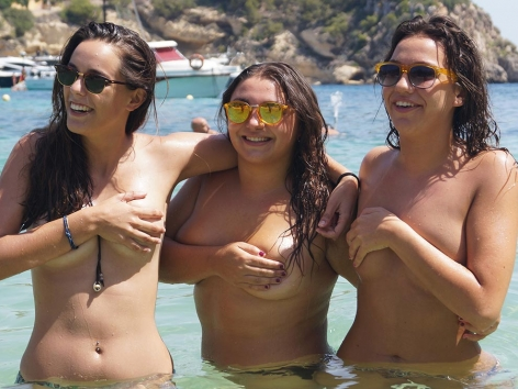 Claudia and friends having fun in handbras with UGotItFlauntIt