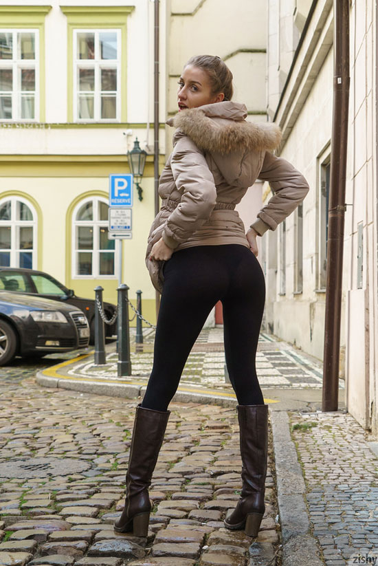 Lenka Samkova in tight leggings for Zishy