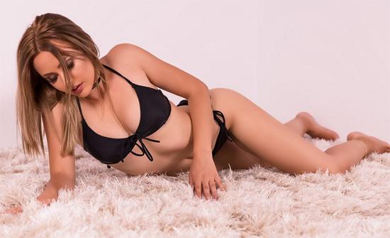 Sexy webcam girl AnaysHeart