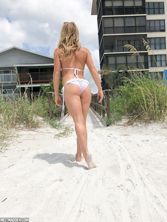 Sexy bikini ass on the beach