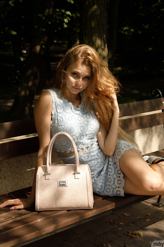Ulyana Orsk teases for Zishy, with some upskirt fun included