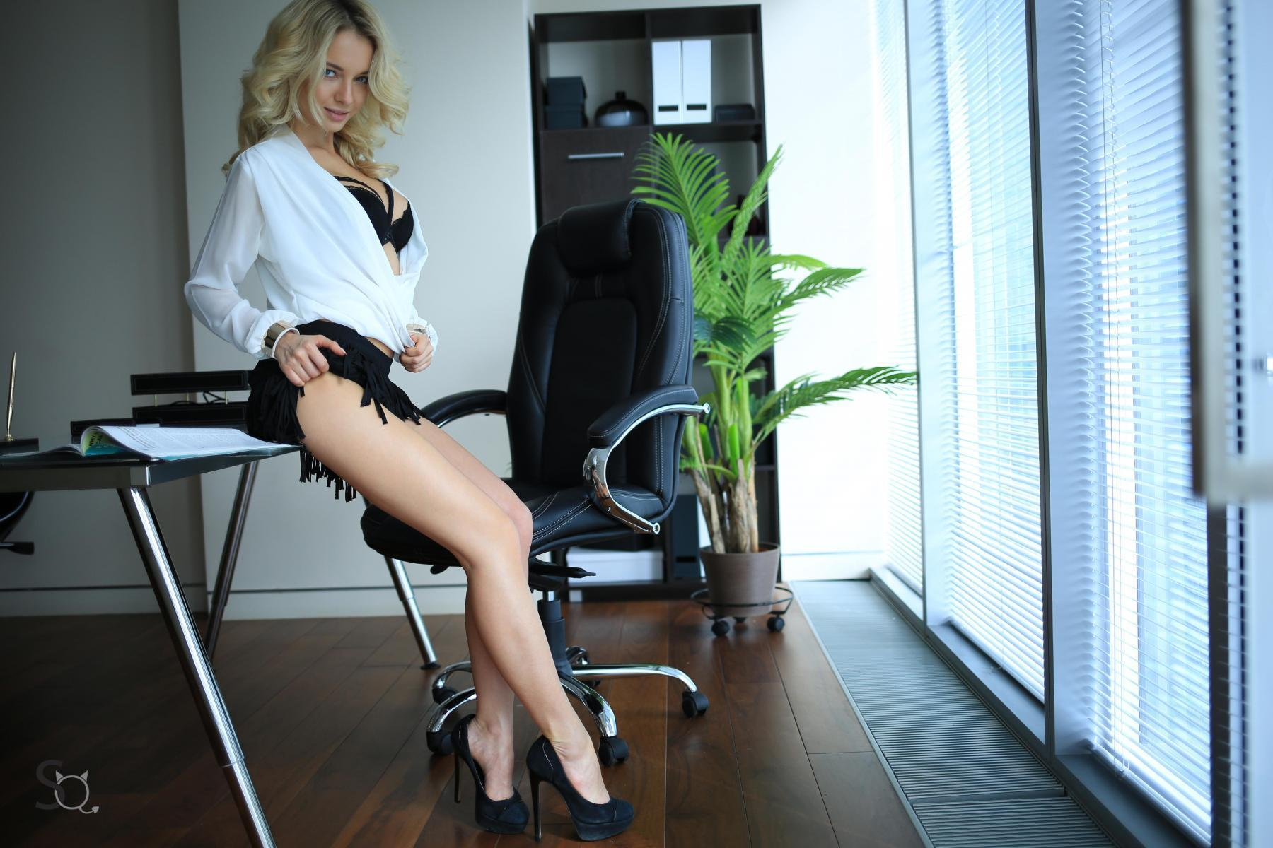 MonroQ standing by her office desk to show her beautiful long legs-StasyQ