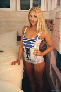 Sexy blonde poses in her Star Wars swimsuit
