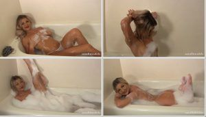 Sexy Kendall relaxing in her hot bubble bath